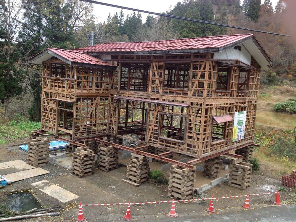 ドイツ人建築デザイナー、カール・ベンクスによる古民家再生【竹所シェアハウス】